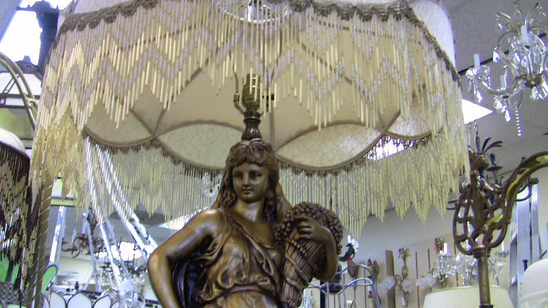 Victorian Statue Lamp with Italian beads