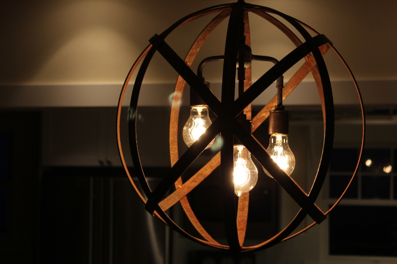 metal-sphere-industrial-globe-3-bulb-lamp-6